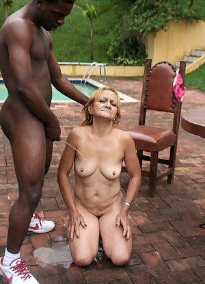 Kink up that mature slut with black cocks
