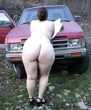 Free Moms Outdoor Porn Pictures