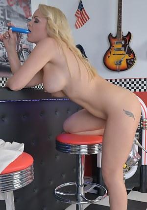 Smoking hot blonde milf crams her dildo deep inside her wet fuck hole