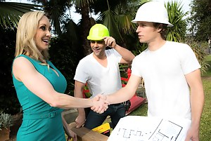 Bored housewives are the greatest, especially if you're a big-dicked construction worker who doesn't mind getting his hands dirty.