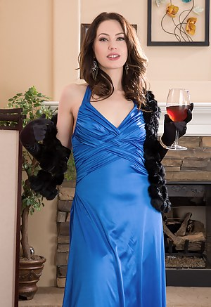 Elegant and horny 30 year old Sarah Shevon strips off her blue dress