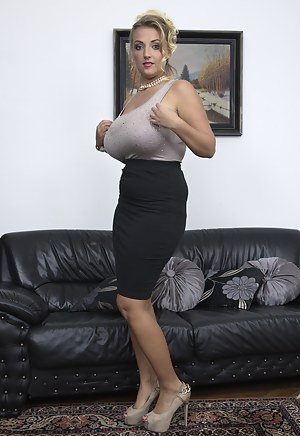 Free Moms High Heels Porn Pictures