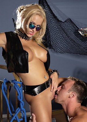 Horny madam wearing sexy black leather is getting her twat penetrated with her man's big cock. She is also showing blowjob skills with excitement.