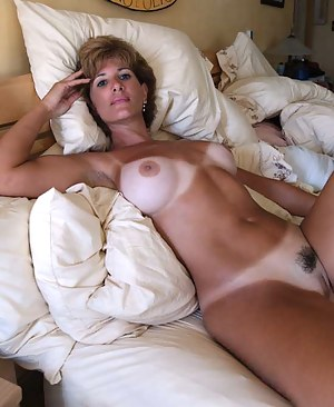 Free Tanned Moms Porn Pictures