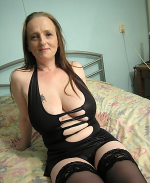 Free Saggy Tits Moms Porn Pictures