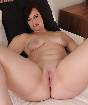 Curvy bubbly Virgo Peridot plays with her big boobs in and out of her lingerie