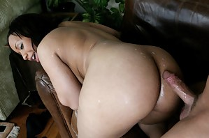 Everything a man needs to become hard, deepthroat blowjob and a nice big ass to tease. Sweet Tia Cherry grants it all just to get fucked.