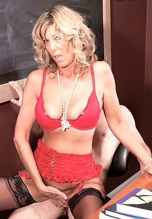 Housing Market Goes Bust. Shannon Busts A Lucky Guys Nut.