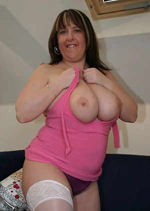 British mom in stockings with huge juggs fucked in fat ass