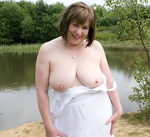 It was a Beautiful day, ideal for a walk by the lake and of course a photo opportunity, I was feeling really horny so it
