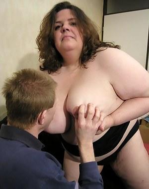Big mature slut fucking and sucking