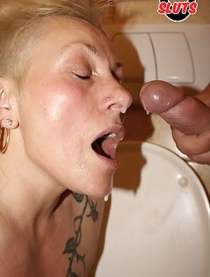 This mature slut gets taken on a public toilet