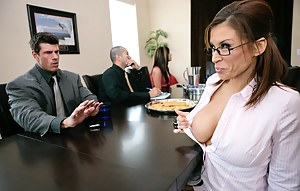Board meetings are boring and she wants to have some fun today. Watch her spread her shapely legs for an incredibly hung dude.