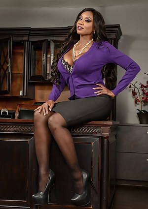 Who wouldn't want to have a boss like Diamond Jackson? She loves masturbating in her office, not locking the doors and fucking white guys.