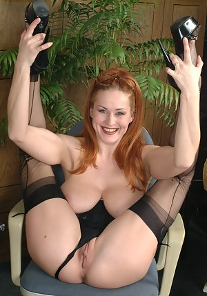Naughty red pantymom showing us the good stuff