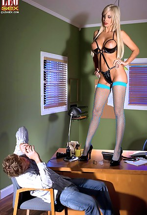 Free Moms Femdom Porn Pictures