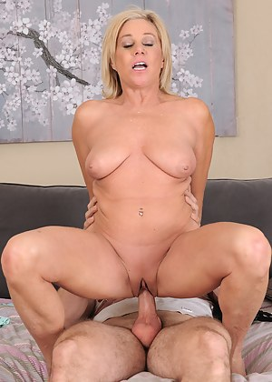 Gorgeous blonde MILF Payton Hall sucks and fucks her man